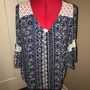 RUE 21 TUNIC TOP NAVY WHITE PRINT BELL SLV LACE L